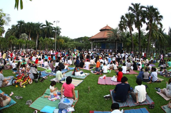 Free concerts in the park Bangkok