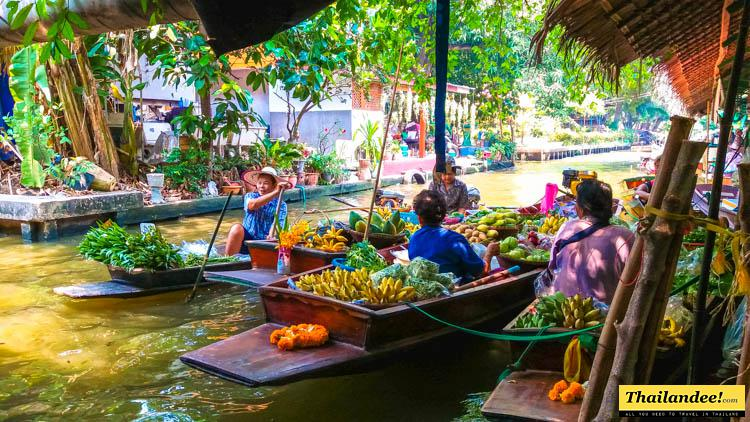 lat mayom floating market bangkok
