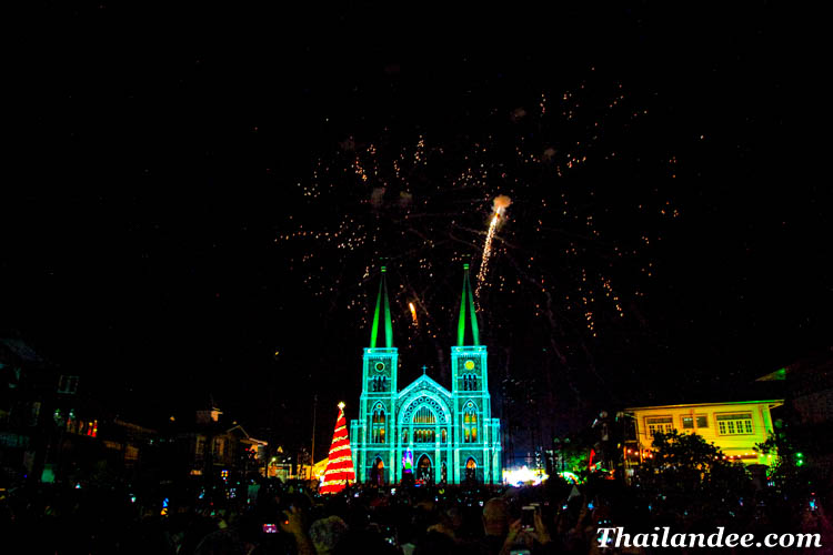 celebrate christmas in thailand