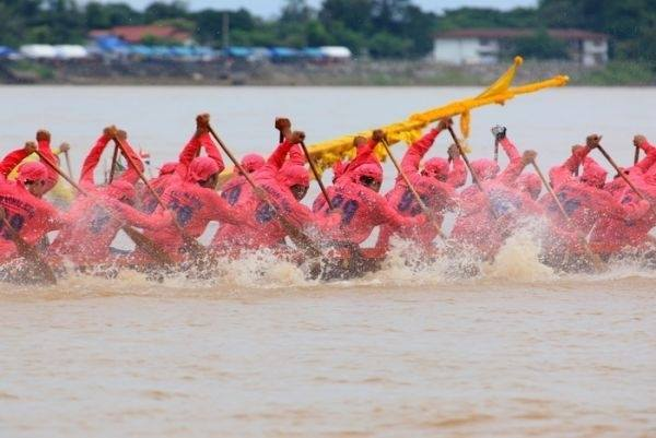 lopburi long boat racing festival