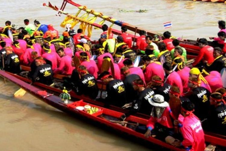 singhburi traditional long boat racing