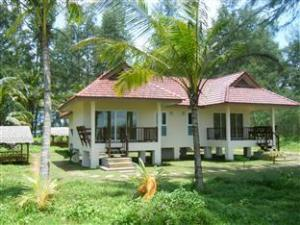 pranee beach bungalows