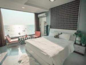 the marina sea view house bangsaen