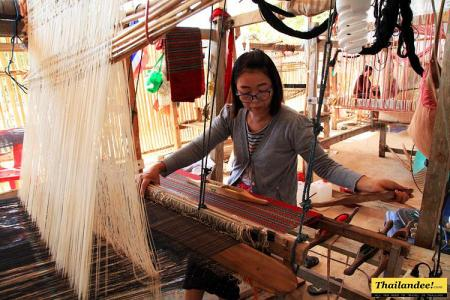Ban Sao Luang weaving village