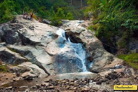 Mo Paeng Waterfall