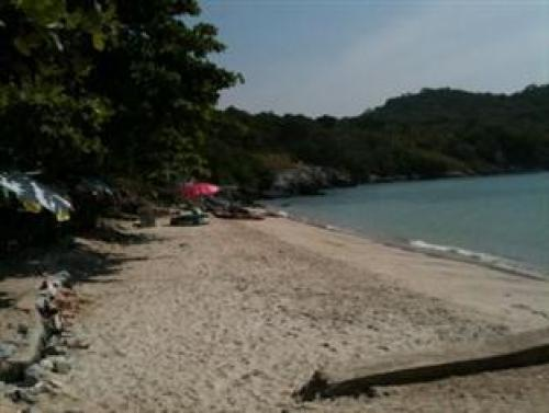 Tam Pang Beach Resort Koh Sichang